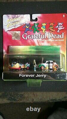 Johnny lightning Grateful Dead Forever Jerry Very Rare 1/64 Diorama VW Bus & Bug